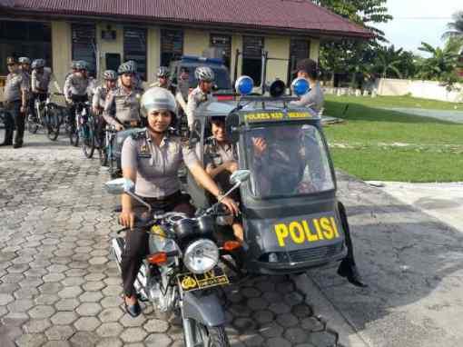 Polisi_becak_motor